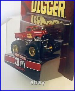 Hot Wheels Monster Jam RLC Exclusive GRAVE DIGGER 30th Anniversary Limited